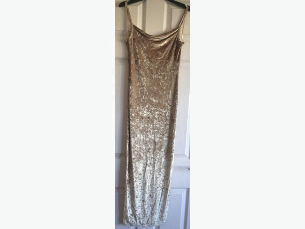 Dresses all £5 each size 8