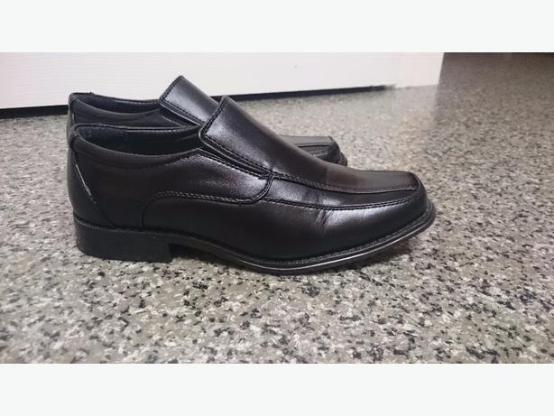 Boys Black Shoes Size 4