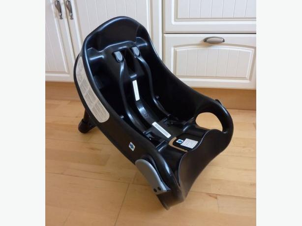 graco junior baby car seat base in black rowley regis sandwell. Black Bedroom Furniture Sets. Home Design Ideas