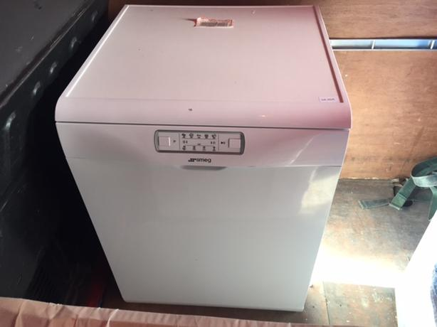 SMEG DFD613W Full-size Dishwasher NEW and unused RRP £399