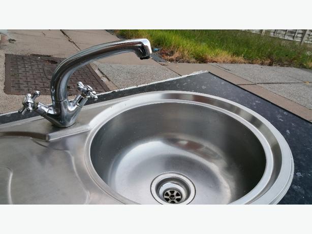 Kitchen sink, tap, waste, end caps, veneer strips and extra worktops