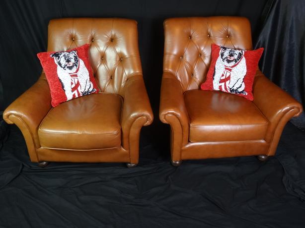 Classy Pair Handmade Thomas Lloyd Chesterfield Club Cigar Tan Leather Armchairs