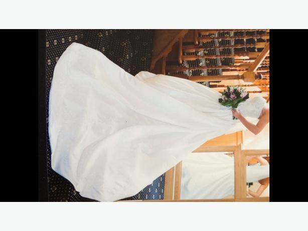 Bonny traditional Wedding Dress
