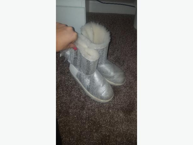 guenuine UGG boots