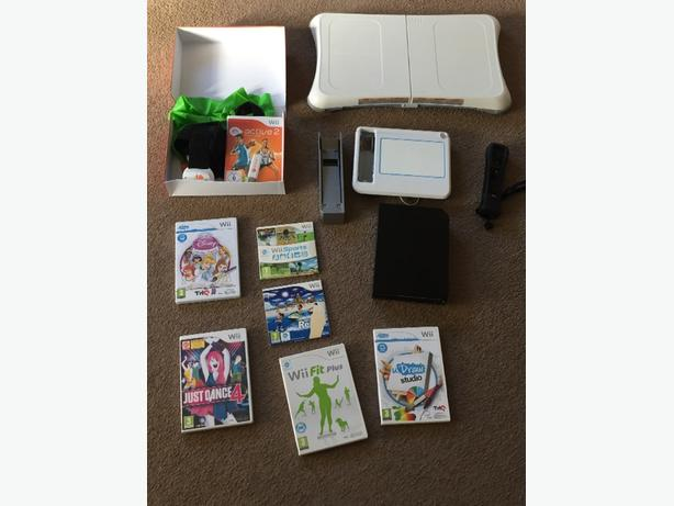 wii console +wiifit plus +games