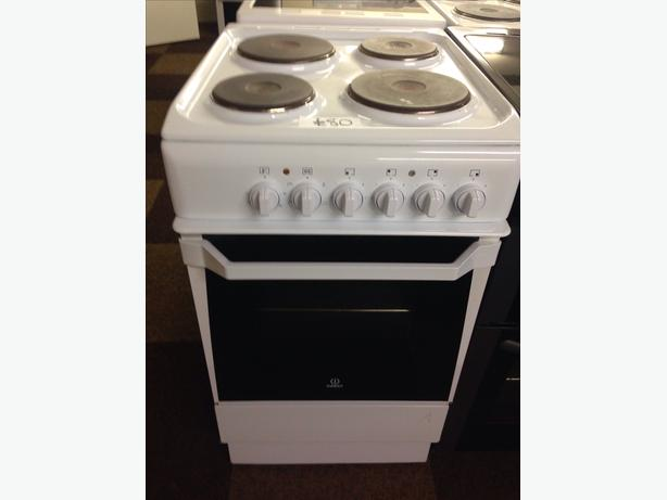 INDESIT 50CM PLATED TOP ELECTRIC COOKER