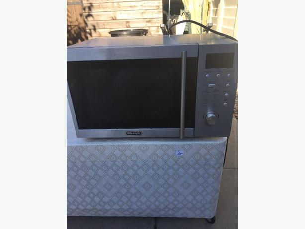 chrome microwave good condition
