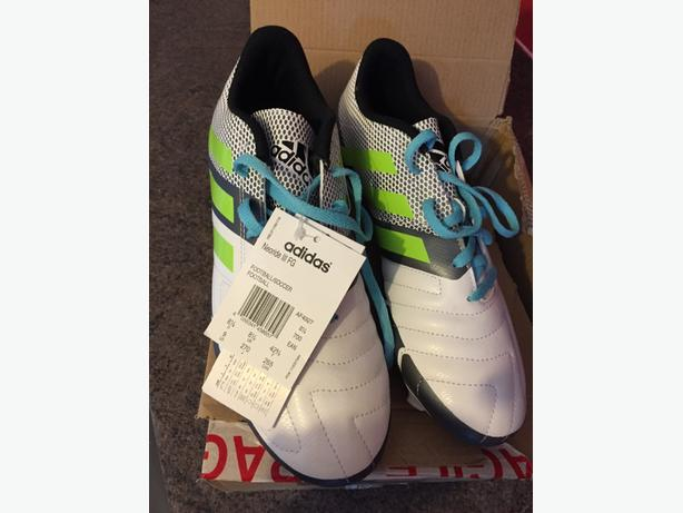 football boots size 8.5