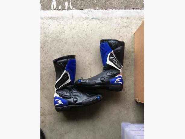 motorbike boots size 8 motorbike padded coat size extra large