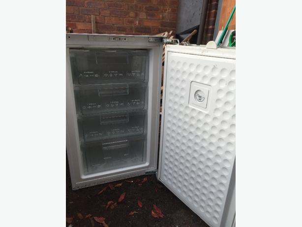 integrated 4 drawer freezer