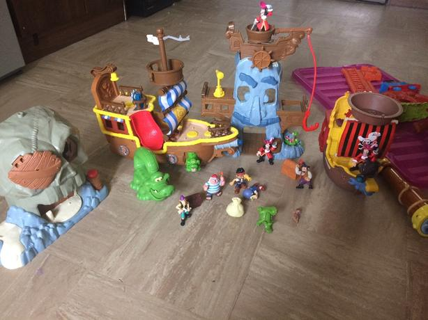 jake and the neverland pirates playset and box of boys toys