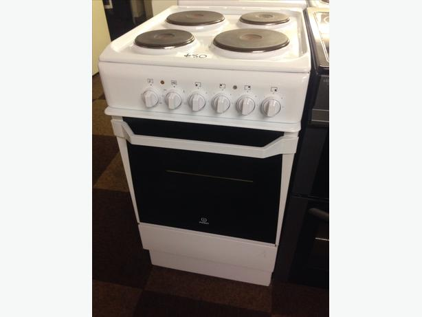 INDESIT 50CM SINGLE CAVITY ELECTRIC COOKER