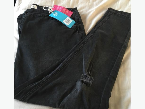 yours clothing black rip size 30 jean full length!!!
