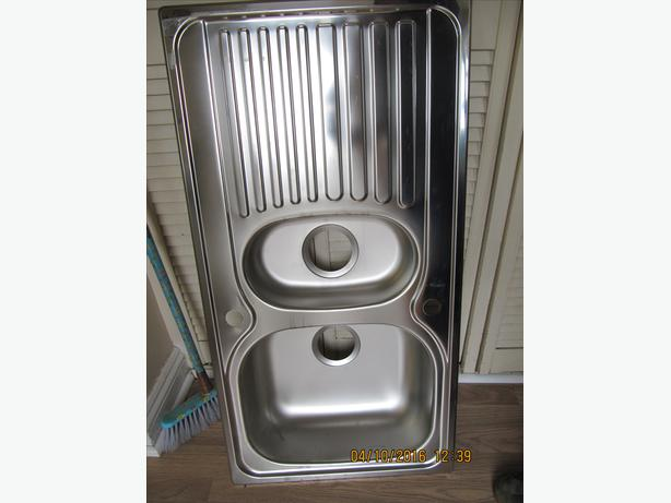 Blanco 1.1/2 bowl s/steel sink ex display