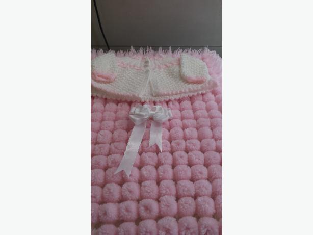 CARSEAT SIZE POMPOM BLANKETS