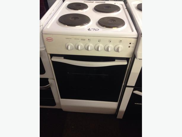 SWAN PLATED TOP 50CM ELECTRIC COOKER0