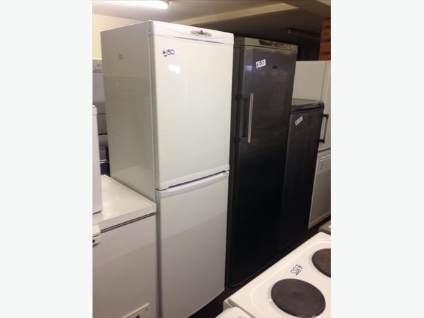 HOOVER FROST FREE TALL FRIDGE FREEZER