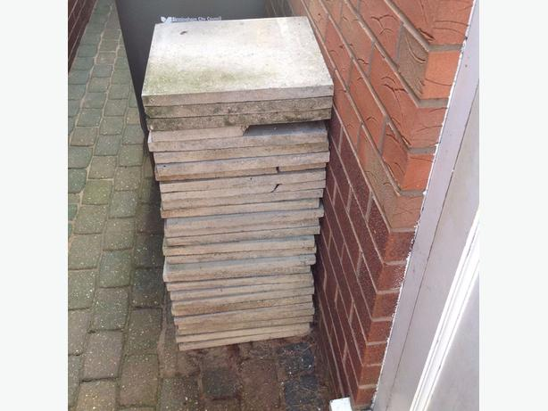25 USED SLABS READY TO USE - 40cm x 40cm - CAN DELIVER LOCAL