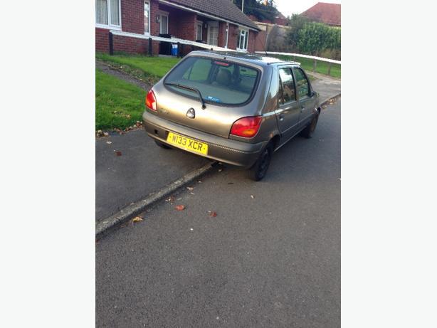 £150 Fiesta zetec