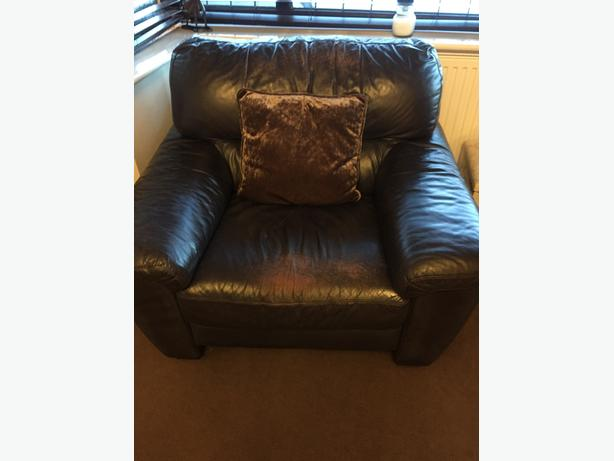 Brown Leather Three Piece Suit, sofa, 2 chairs & footstall