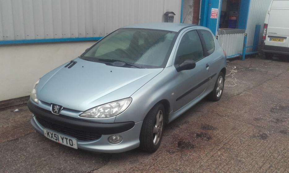 2001 peugeot 206 hdi d turbo silver 2l 12 months mot other black country location wolverhampton. Black Bedroom Furniture Sets. Home Design Ideas