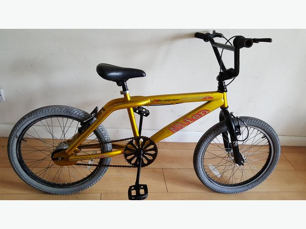 Alien BMX Bike (Suit age: 8 to 16 years).