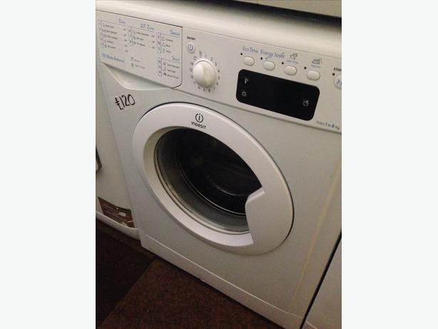 INDESIT LCD DISPLAY 8KG WASHING MACHINE