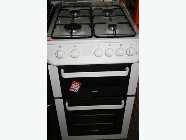 Beautiful Zanussi freestanding double cavity gas cooke