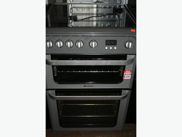 Beautiful Hotpoint freestanding double cavity gas cooker