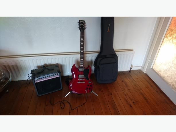 FULL ELECTRIC GUITAR SET UP ENCORE SG AMPLIFIER PADDED BAG STAND LEAD ALL VGC
