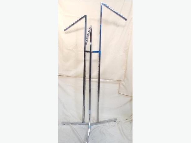 3 Arm Chrome Clothes Display Stand