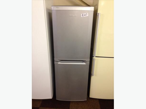 BEKO FRIDGE / FREEZER SILVER