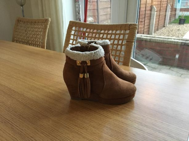 Girls River Island boots