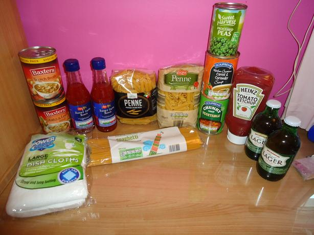 FOOD BUNDLE BARGAIN £2 MUST SELL ASAP (sealed items IN DATE)