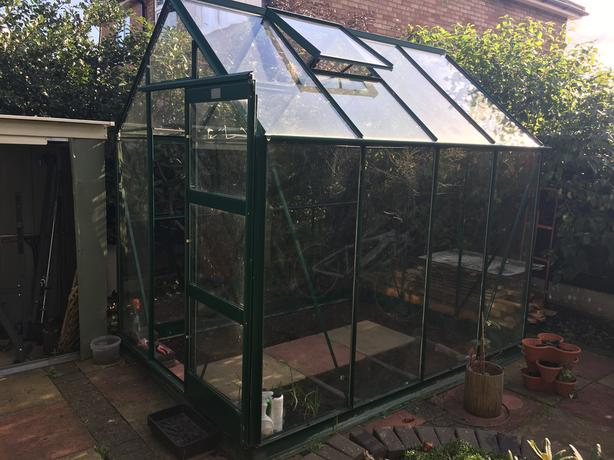 Greenhouse (6'x8' 240x180cm)  +base and building instruction - can deliver