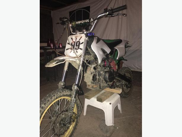 akuma pitbike 125cc