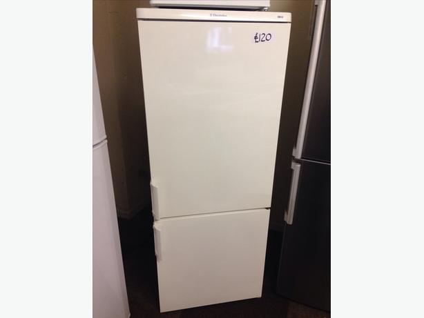 ELECTROLUX FRIDGE FREEZER02