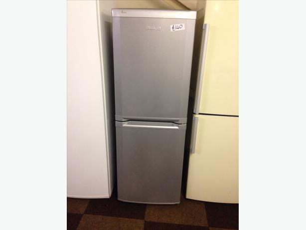 BEKO SILVER FRIDGE FREEZER FROST FREE7