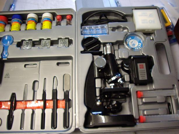 MICROSCOPE KIT GOOD CONDITION
