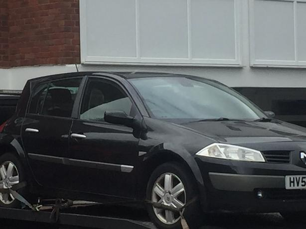 RENAULT MEGANE MKII 03-08 BLACK BREAKING ALL PARTS AVAILABLE