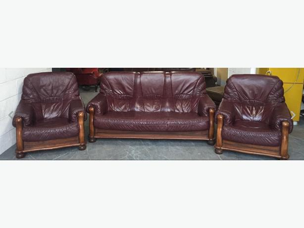 RRP £2000 Leather/Oak Burgundy/Maroonish 3 Piece Sofa Set.WE DELIVER