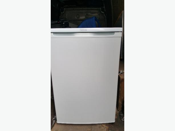 FRIDGE U/COUNTER TYPE. VERY CLEAN. SERVIS. WORKS PERFECTLY  £44 ono
