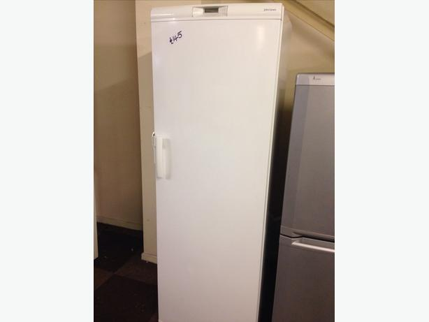 JOHN LEWIS TALL FREEZER00