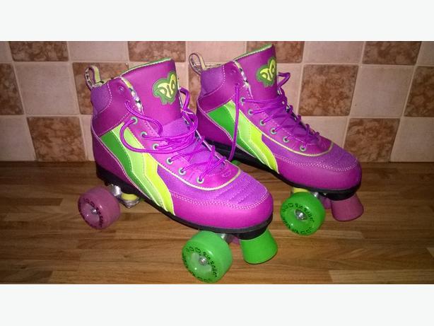 ladies / girls skates size 8