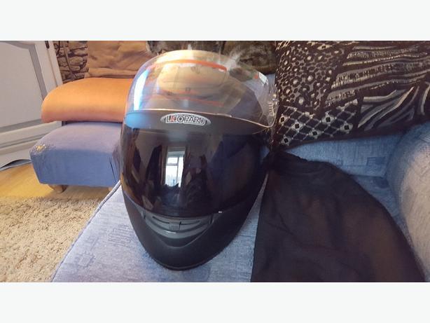 Matt black motorbike helmet XL