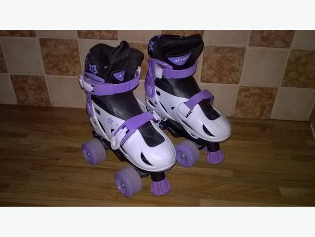 girls skates size 29-32 extendable used but still plenty of life left