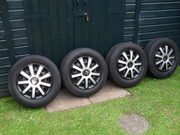 205/65/16 SET OF 4 WHEELS WITH TYRES WITH GREAT TREAD