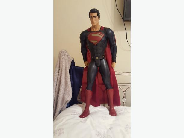 VERY LARGE SUPERMAN MODEL FIGURE
