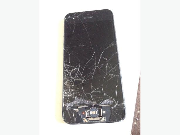 Spares or Repairs iPhone 5 16gb Black on O2 Giffgaff Tesco Can Deliver