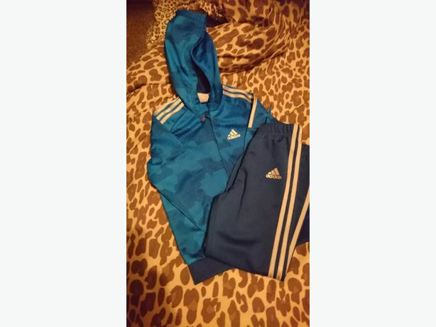 Boy's Adidas Tracksuit **BRAND NEW**